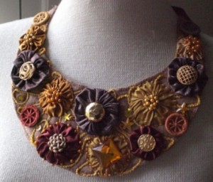 3_bib-necklace