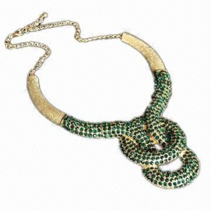 Initial-jewelry-gorgeous-shiny-micro-pave-small-green-rhinestones-necklace