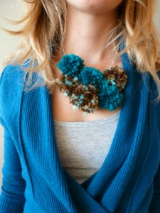 Pom-Pom-Yarn-Necklace-Tutorial