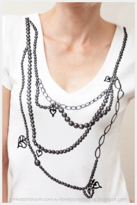 faux-necklace-t-shirt-close-up